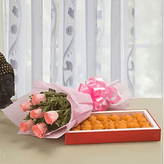 Elegance beauty - Pink Roses with Laddu